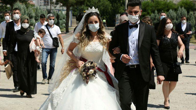 Cat costa o formatie nunta Bucuresti ?