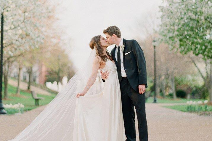 Cat platesc romanii pentru muzica de la o nunta?