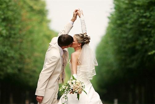 Formatia la nunta, apreciata indeajuns?