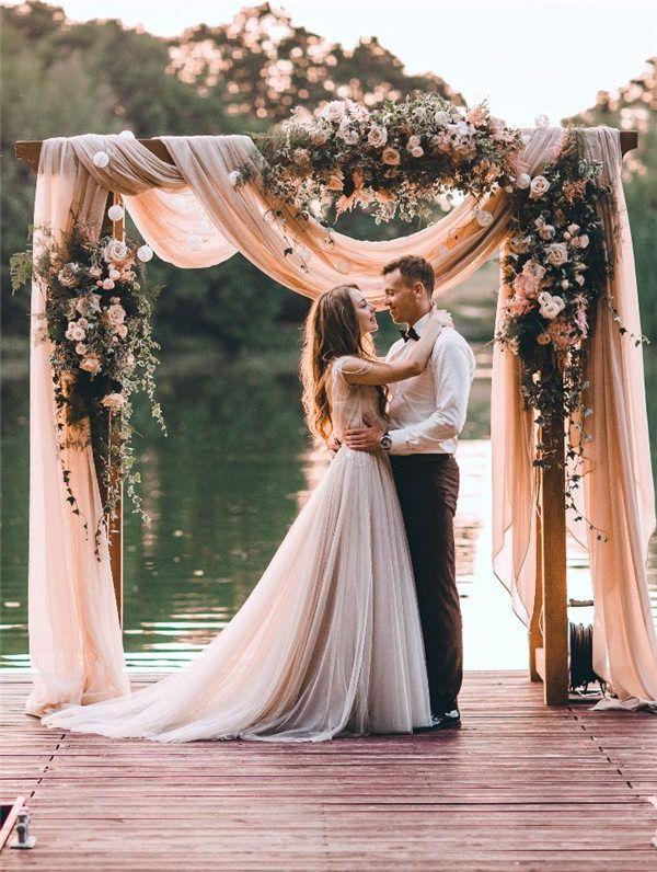 Nu trata cu superficialitate alegerea formatiei pentru nunta!