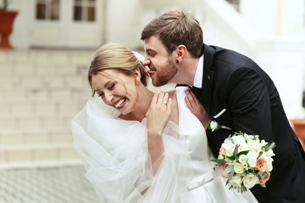 4 detalii de care sa tii cont atunci cand alegi o formatie pentru nunta