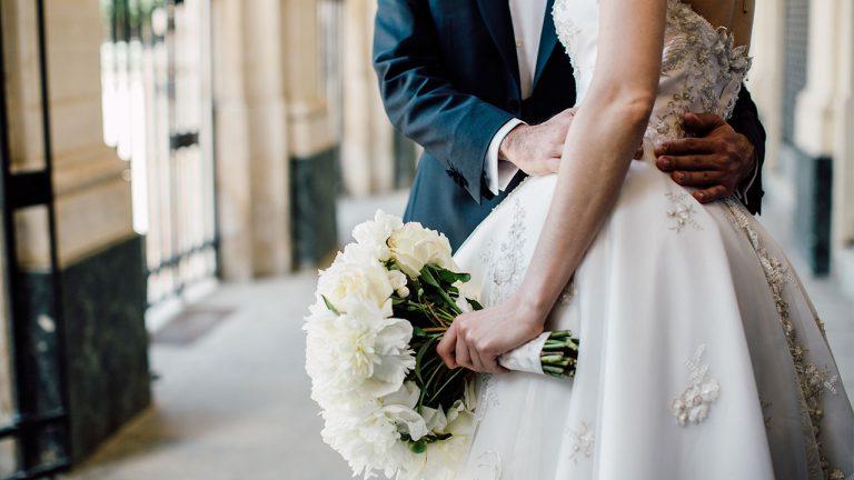 Cum sa nu cheltui toti banii pe formatia pentru nunta?
