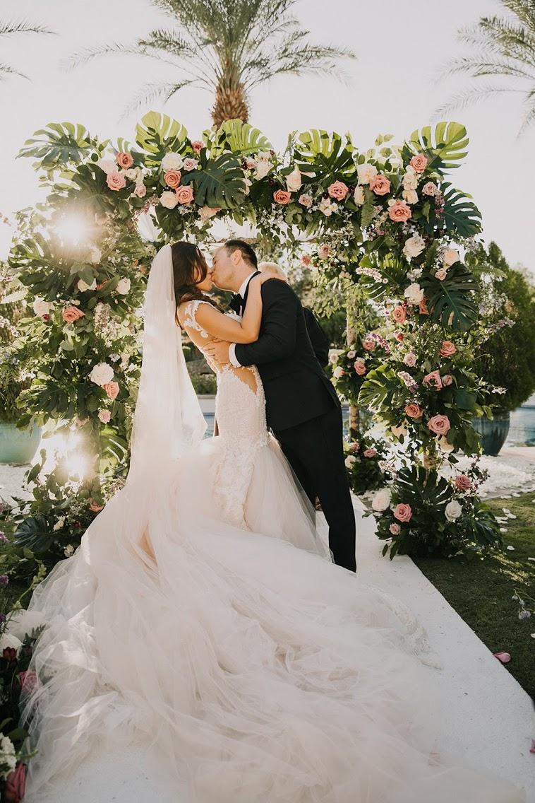 Organizarea unei nunti incepe cu alegerea unei formatii pentru nunta
