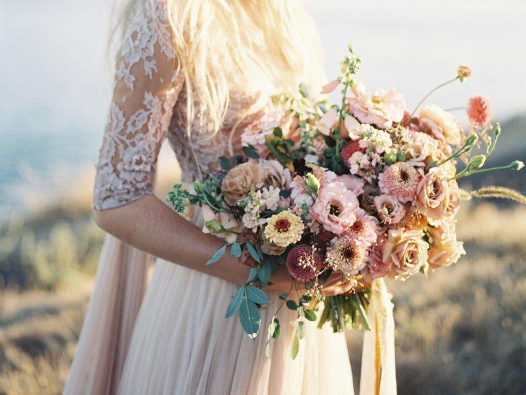 Pregatirea unei nunti trebuie sa inceapa cu alegerea formatiei pentru nunta