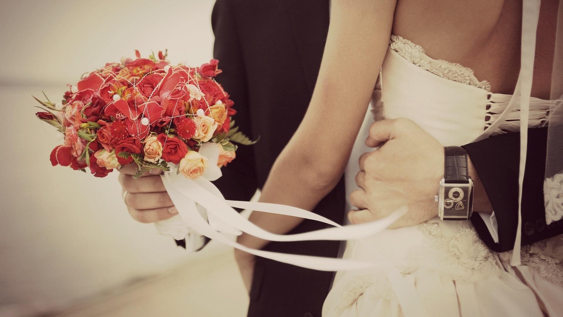 You are currently viewing 5 sfaturi pentru a te asigura ca la nunta va canta cea mai buna formatie