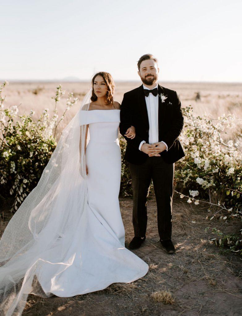 Contacteaza formatie pentru nunta din timp!