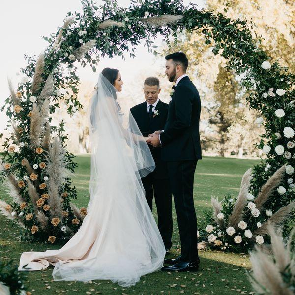 Cum alegem intre atatea formatii nunta?