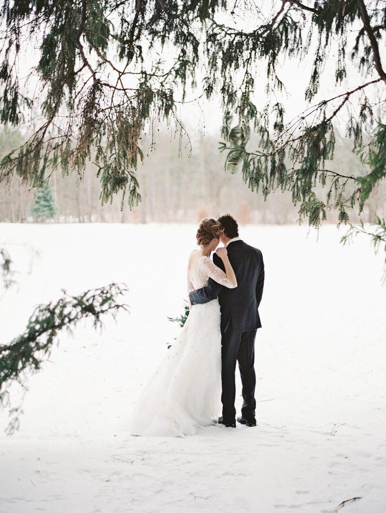 Cauti formatie nunta in Decembrie?